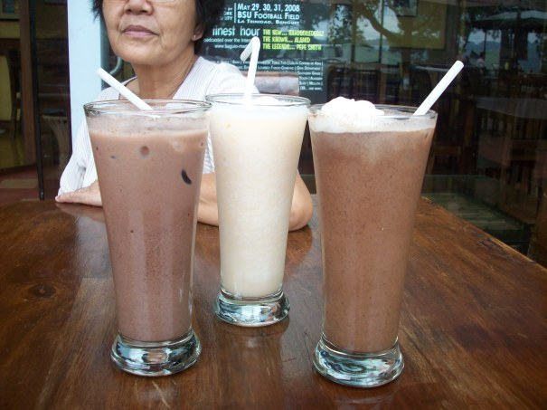 Cold drinks at Cordillera Cafe
