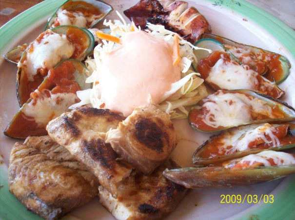 Grilled seafood platter minus the shrimps on sticks (already in our plates hehe)